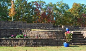 retaining wall with planter and steps