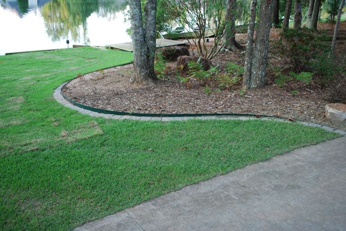 steel edging and pavers for sod border