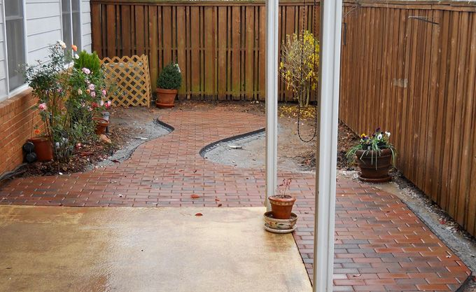 paver patio for small courtyard