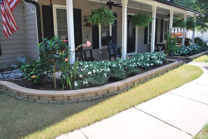 a nice looking border for a front porch