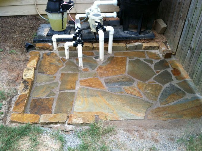 flag stone walkway with cobble border