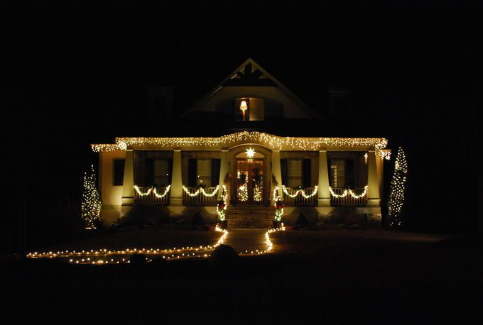 landscape lighting at christmas
