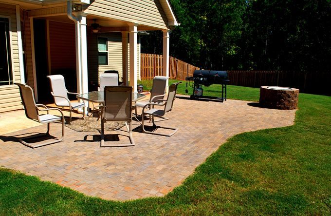 hardscape feature paver patio and fire pit kit