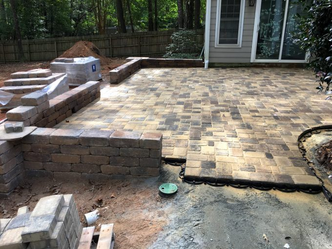 knee wall with columns and pavers