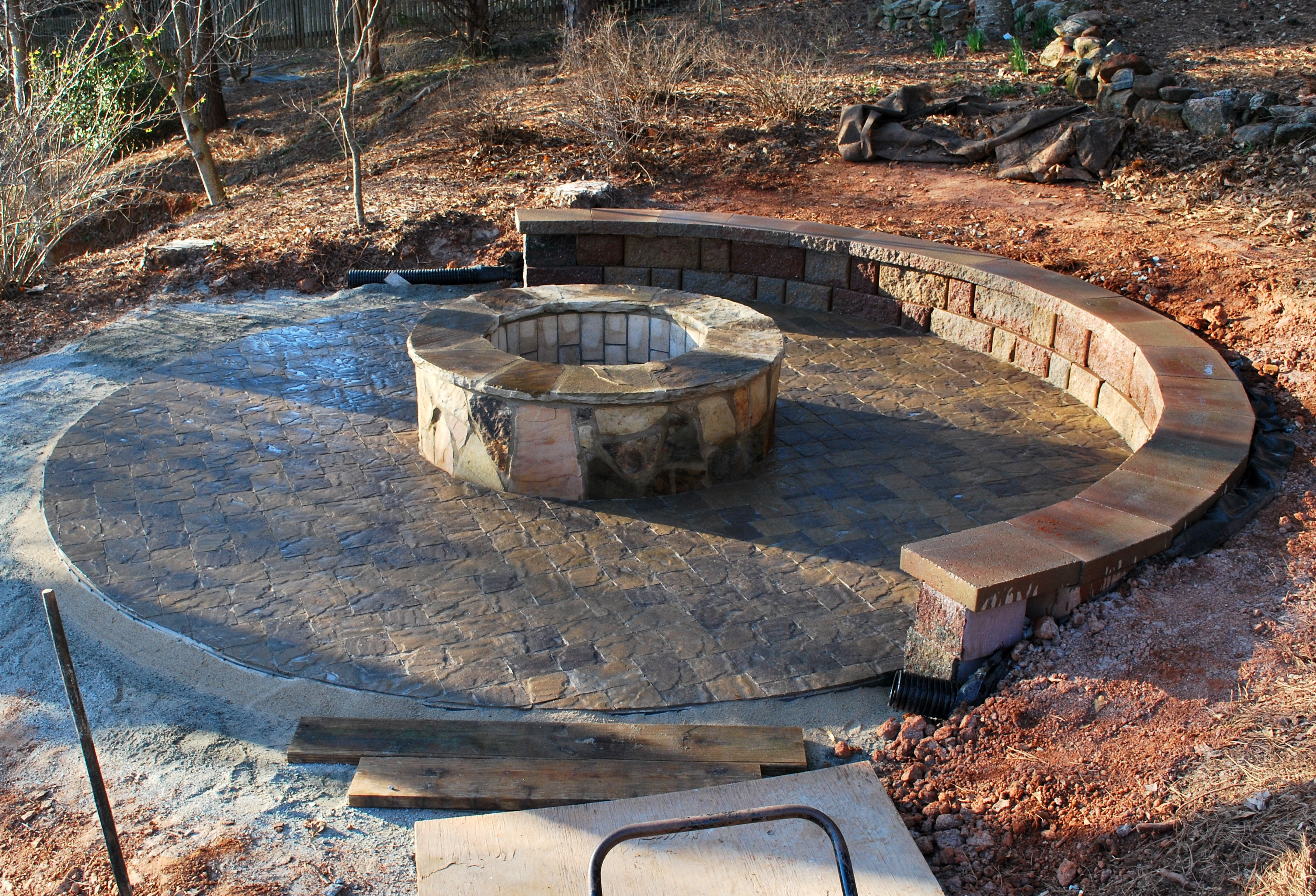 real rock fire pit patio 1