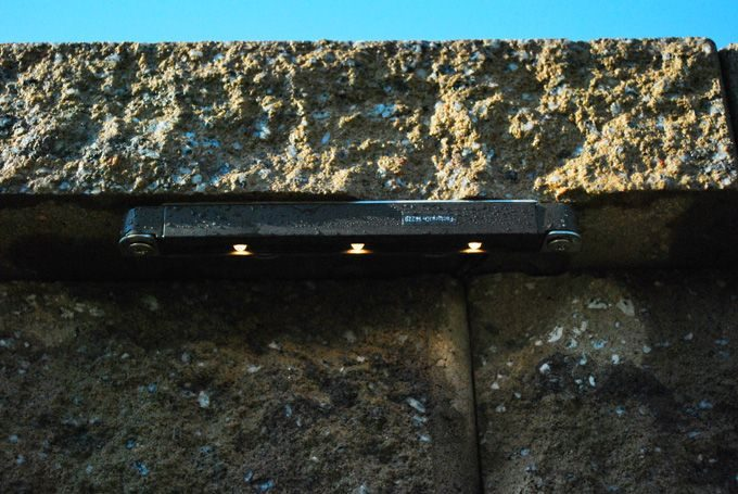led retaining wall lights for the landscape