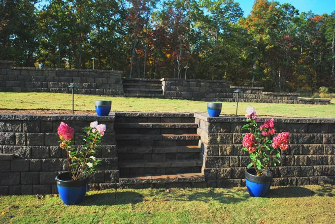 retaining wall with built in steps