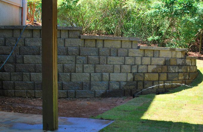 block retainiong wall in appalachian blend color